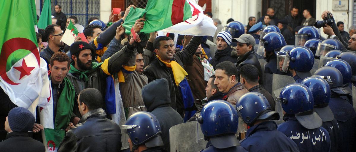 الجزائر تحبس أنفاسها عشية جمعة رابعة من الحراك الشعبي