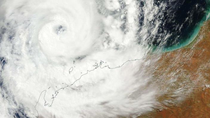 """بنغلاديش.. إجلاء 1.8 مليون مواطن استعدادا لإعصار """"بلبل"""""""