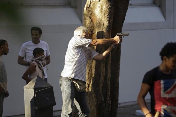 الحكم بالمؤبد على فنان مصري رغم مساندته للعسكر (صور)