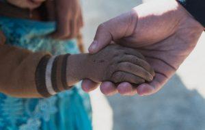 صورة.. يد طفلة مغربية!!
