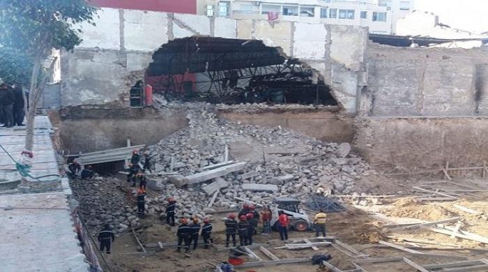 وفاة عاملي البناء تحت ردم سور المعمل الذي انهار أمس بالدار البيضاء