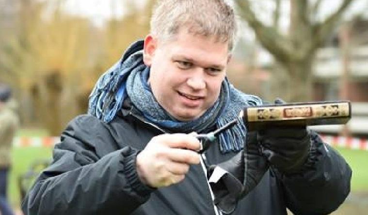 مجموعة يمينية متطرفة بالدنمارك تحرق نسخة من القرآن