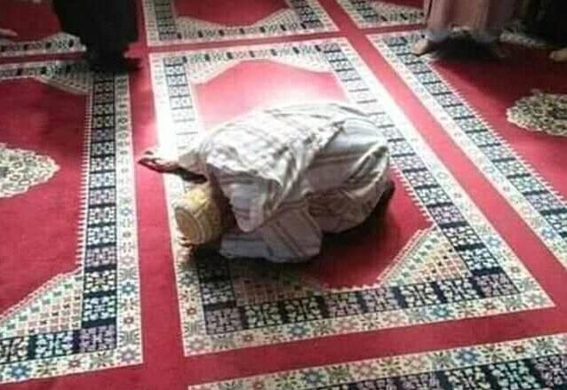 إمام بالقنيطرة أذن وصلى ركعتي الفجر وجلس ينتظر المصلين ومات جالسا