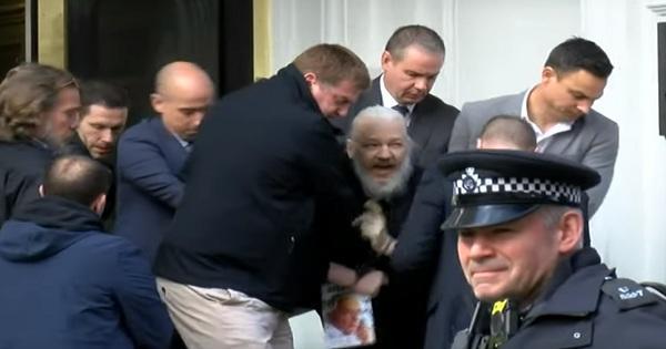 """مواقف دوليّة متباينة بعد إلقاء القبض على مؤسس """"ويكيليكس"""""""