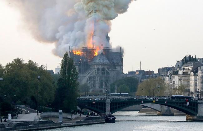 """فرنسا: ماس كهربائي على الأرجح وراء حريق """"نوتردام"""""""