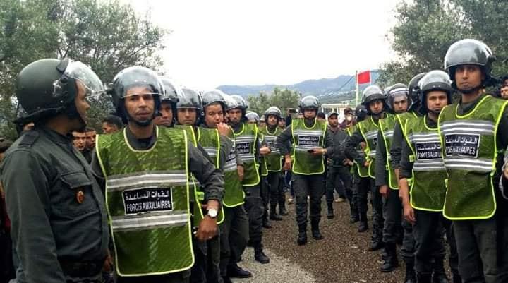 قروين يحتجزون قائد منطقة وعون سلطة والسلطات تستعمل السلاح لتحريرهما (صور)