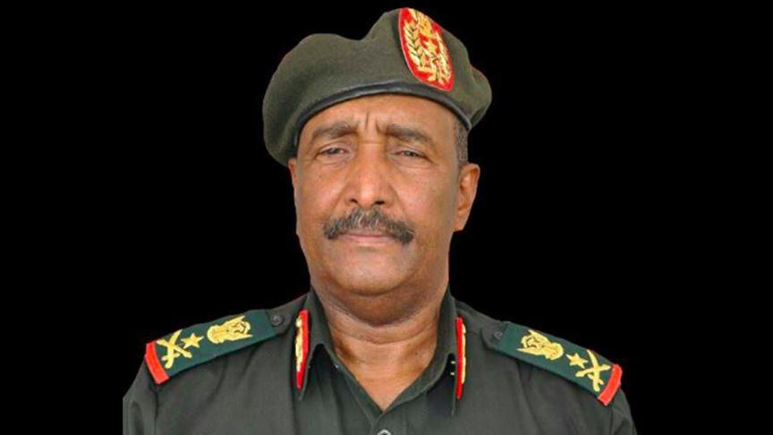 السودان.. مجلس السيادة (6 مدنيين و5 عسكريين بينهم البرهان) يؤدون اليمين الدستورية