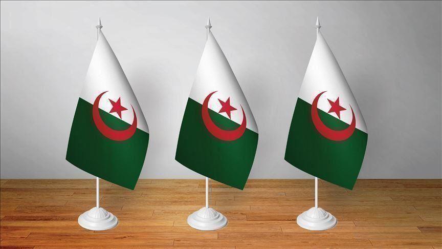 """رئيس أركان الجيش الجزائري يعلن إحباط """"مؤامرة"""" على مؤسسات البلاد (فيديو)"""