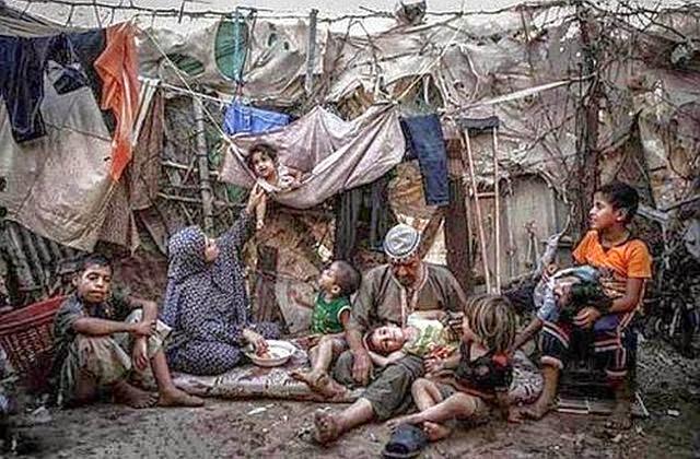 خبراء مصريون يحذرون من تداعيات زيادة الفقر في بلادهم