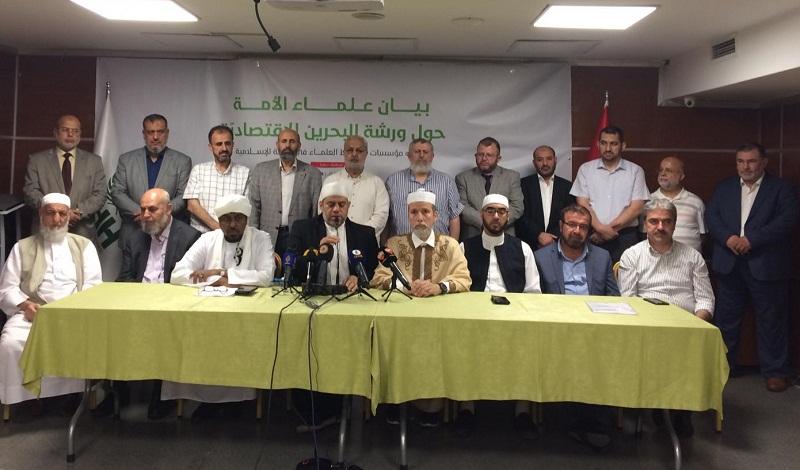 """علماء الأمة يدعون إلى مواجهة """"صفقة القرن"""" وإفشالها لأنها تهدد الأمة الإسلامية في دينها ومقدساتها ووجودها"""