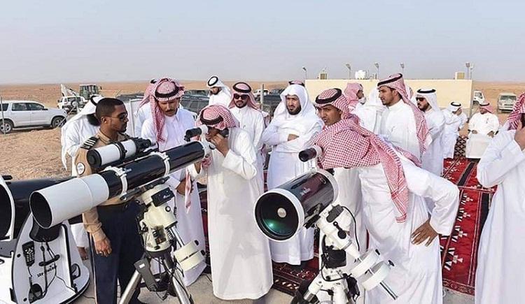 السعودية والإمارات والكويت.. ثبوت هلال شهر شوال وعيد الفطر الثلاثاء