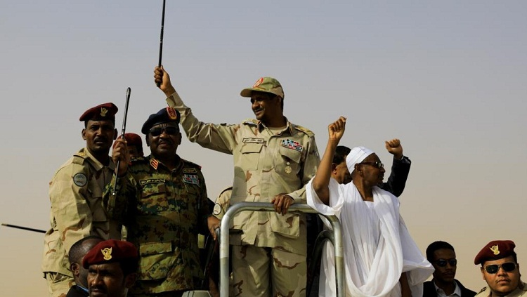 حميدتي عن علمانية الدولة: الشعب السوداني لن يجامل في دينه