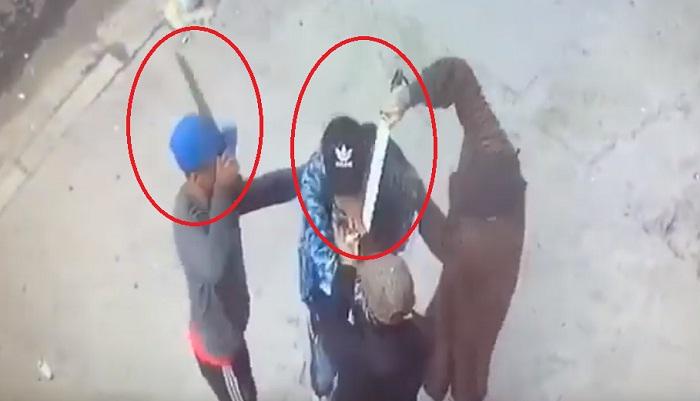 فيديو خطير.. 3 قطاع طريق ينهبون أستاذا بالقنيطرة بعد تهديده والاعتداء عليه بسكاكين شبيهة بالسيوف
