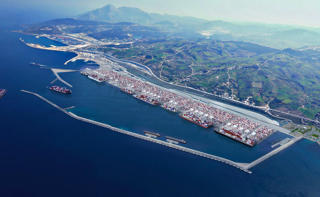 تشديد الإجراءات الوقائية لرصد واحتواء أي حالة محتملة لفيروس كورونا بميناء طنجة المتوسط