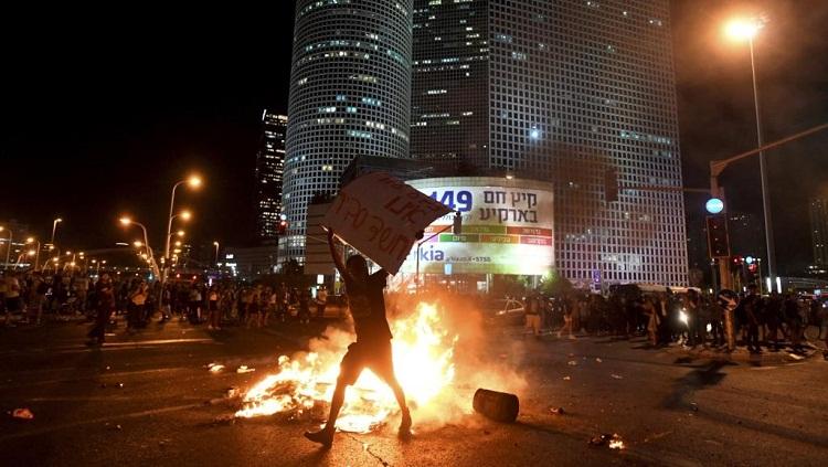 بالفيديو.. أقوى مشاهد احتجاجات يهود الفلاشا في إسرائيل