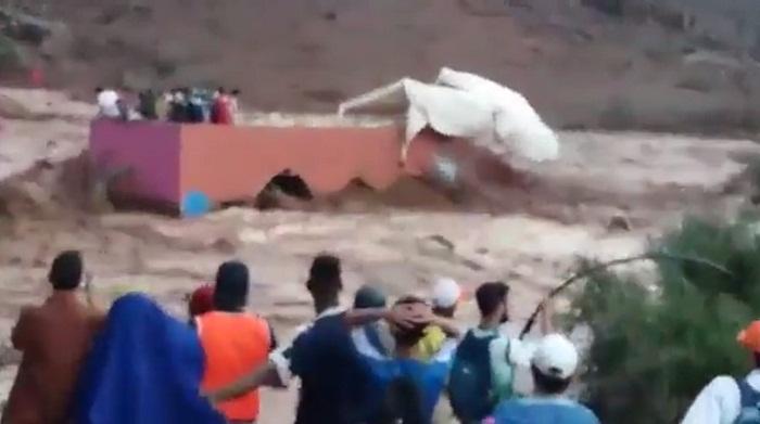 مشهد صادم.. السيول تجرف ملعبا بلاعبيه بنواحي إغرم بإقليم تارودانت وفقدان 15 شخصا