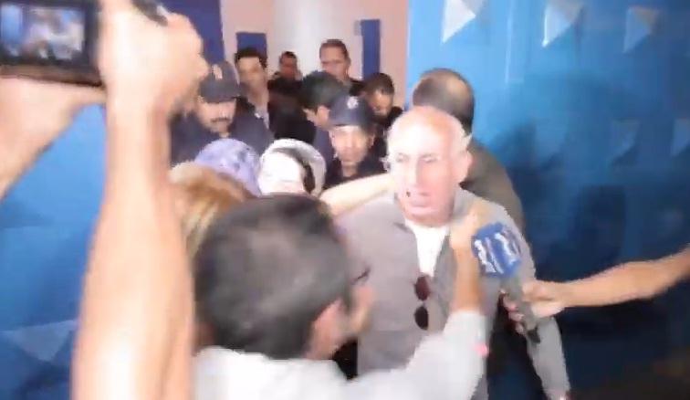 فيديو.. هكذا صرخ طبيب هاجر الريسوني عند خروجه من السجن
