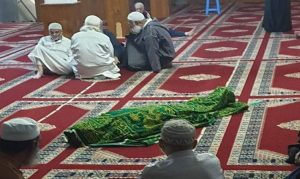 صورة.. وفاة رجل بعد أدائه صلاة المغرب في مسجد الوردة 2 بطنجة