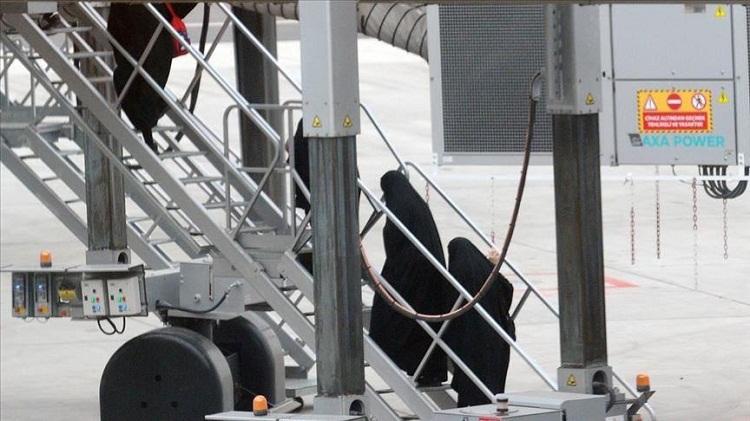 """ألمانيا توقف إحدى نساء """"داعش"""" رحلتها تركيا"""