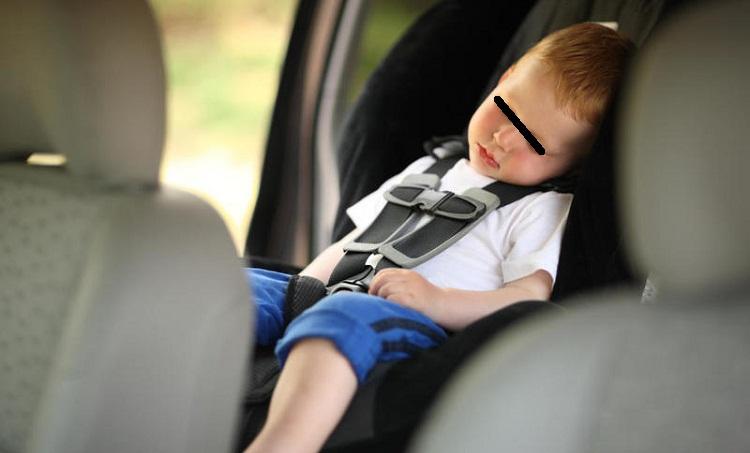نسيان الأطفال في السيارة يعاقب عليه القانون في إيطاليا