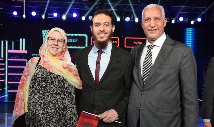 """المخترع المغربي يوسف العزوزي يفوز بصدارة مسابقة """"نجوم العلوم"""" في دورتها 11 بقطر"""