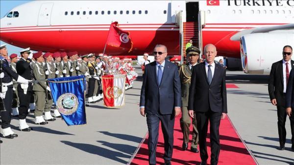 الرئاسة التونسية: تركيا لم تطلب استعمال مجالنا الجوي والبحري