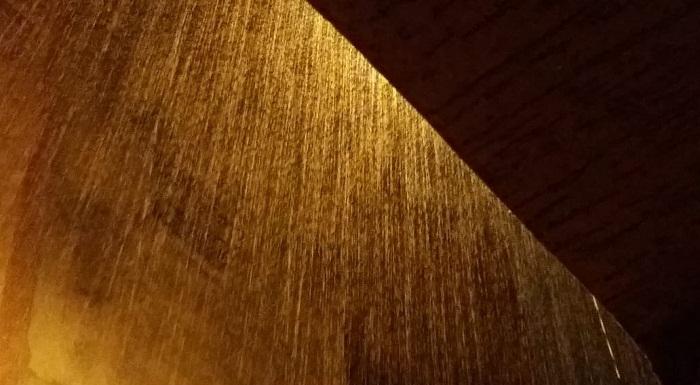 فيديو.. شاهد أمطارا ليلية غزيرة بمدينة سلا