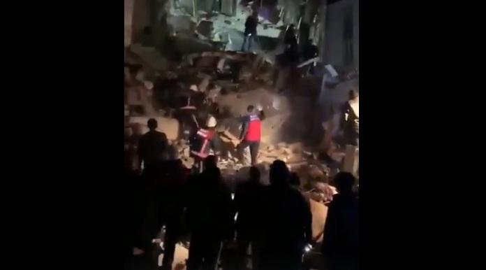 دمار هائل.. شاهد الآثار التي خلفها زلزال ضرب شرق تركيا وأدى لمقتل أربعة أشخاص