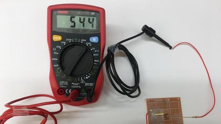 اختراع جديد.. جهاز يولد الكهرباء من الهواء باستخدام ميكروب غريب