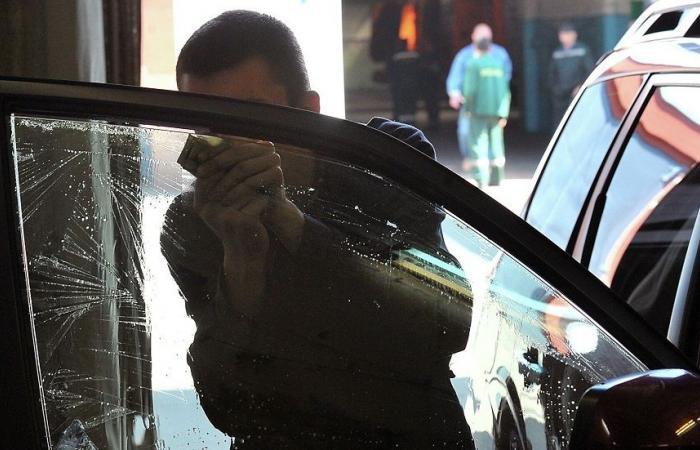 زجاج ذكي للسيارات