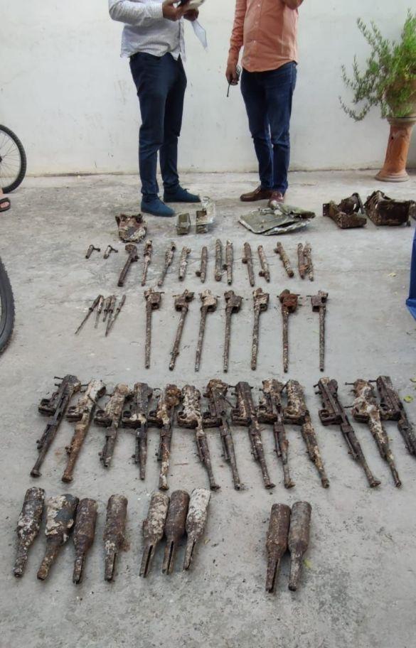 إكتشاف أسلحة نارية قديمة بثانوية ليوطي بالدار البيضاء (صور) - هوية بريس
