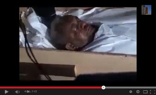 صلاة الجنازة ودفن الشيخ عبد القادر الملا