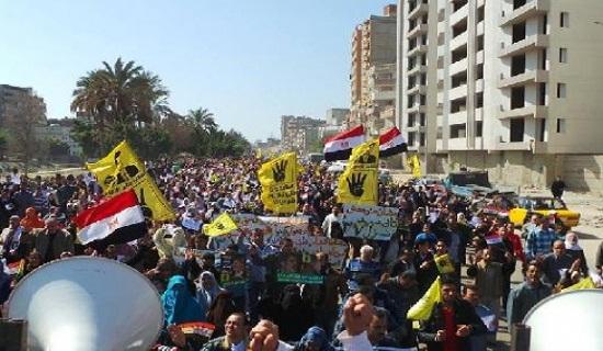 ثلاثة قتلى بتفريق مظاهرات مصر بذكرى الانقلاب.. نزيف الدم لم يتوقف منذ سنة