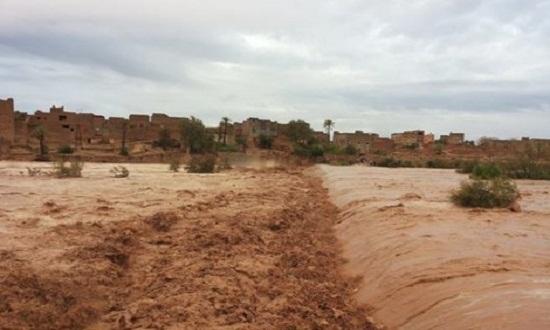 آبار جوفية وبحيرات صناعية لتخزين مياه السيول تحسبا للجفاف