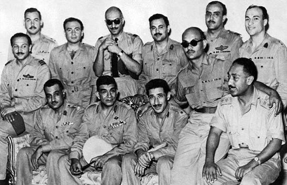 ثورة ضباط مصر الخونة: «طردنا ملكا وجئنا بثلاثة عشر ملكا آخر»