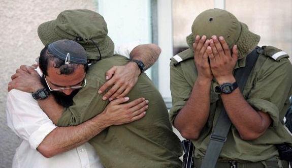 صحيفة أمريكية تكشف هشاشة الاحتلال أمام سكاكين الفلسطينيين (الانهيار العصبي)