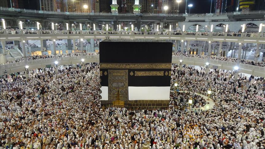 """""""اتحاد علماء المسلمين"""": يجوز منع الحج والعمرة """"مؤقتا"""" بسبب كورونا"""