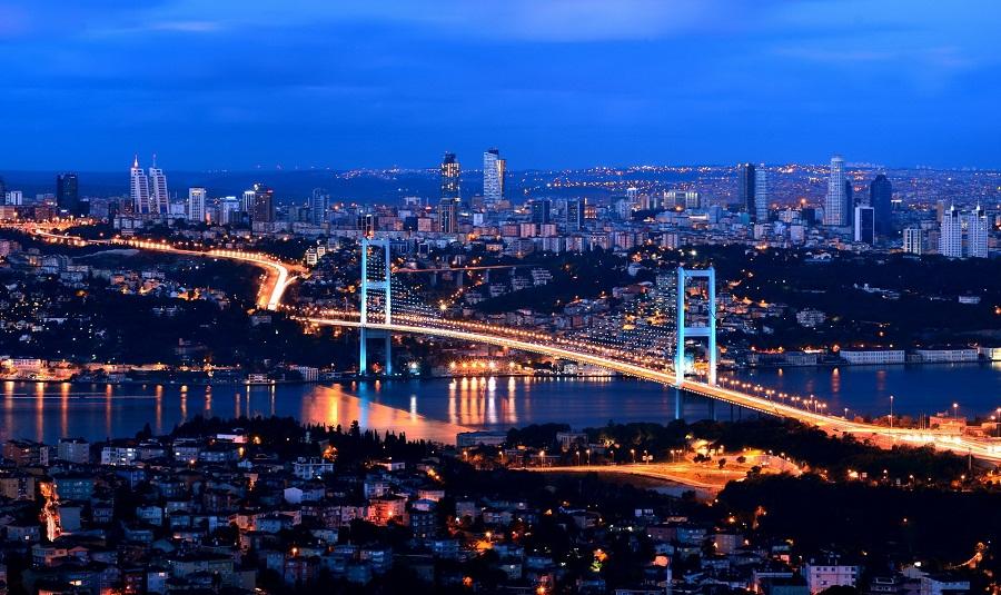 إدانة 4 ضباط شرطة أتراك تسببوا في قتل مواطنة أميركية في مطار اسطنبول