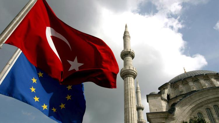 وزير خارجية تركيا: تصريحات رئيس البرلمان الأوروبي مثال جديد لنفاق الاتحاد
