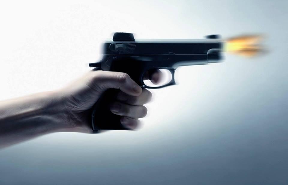 القنيطرة.. دورية شرطة تضطر لاستعمال سلاحها الوظيفي لتوقيف جانح بالشارع العام