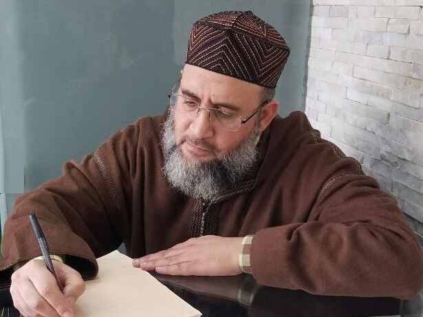 وقفات مع طائفة القرآنيين أو أصحاب كفاية القرآن(ج1)