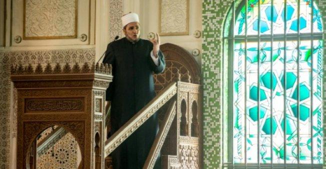 بلجيكا تمتنع عن تجديد إقامة إمام مسجد بروكسل الكبير