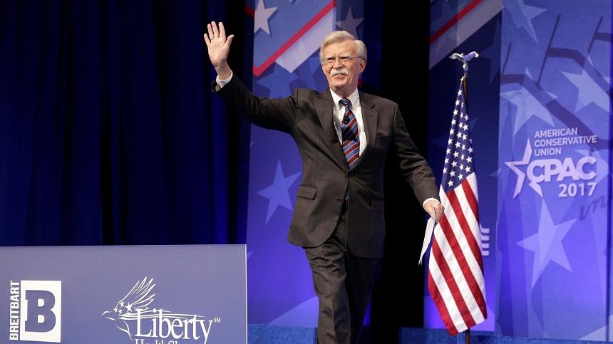 سيناتور أمريكي: بولتون يمهد لحرب ضد إيران