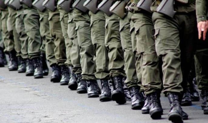وجدة.. استقبال 900 مرشح للخدمة العسكرية، في ثلاثة أيام، بثكنة الفوج الأول لسرايا الخيالة
