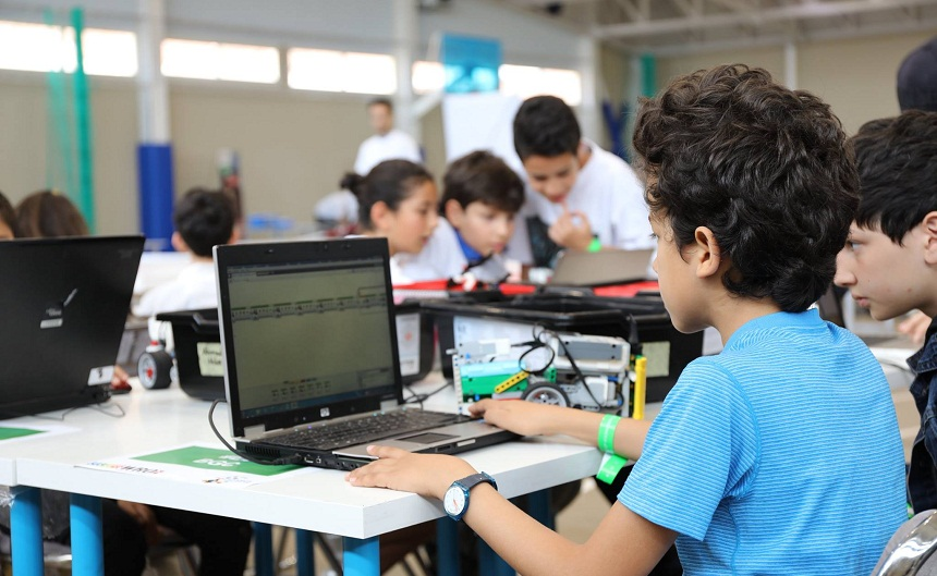 قرابة 500 تلميذ مغربي من مختلف المدن يتنافسونفي الدورة الرابعة للمسابقة الوطنية للروبوت